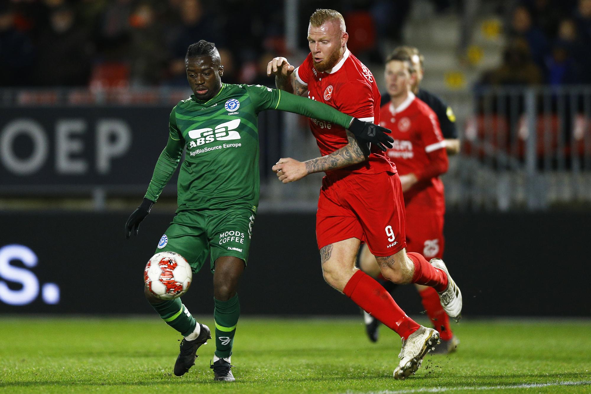 Owusu-vs-Almere.jpg