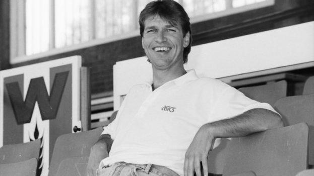 Oud-trainer Pim Verbeek overleden
