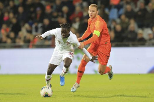 Debutant Myron Boadu en Calvin Stengs schitteren tijdens 4-2 zege Jong Oranje
