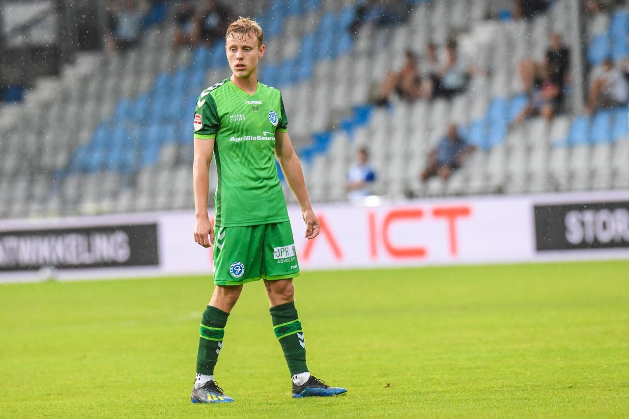 Sterk spelend De Graafschap verslaat sc Heerenveen met ruime ...