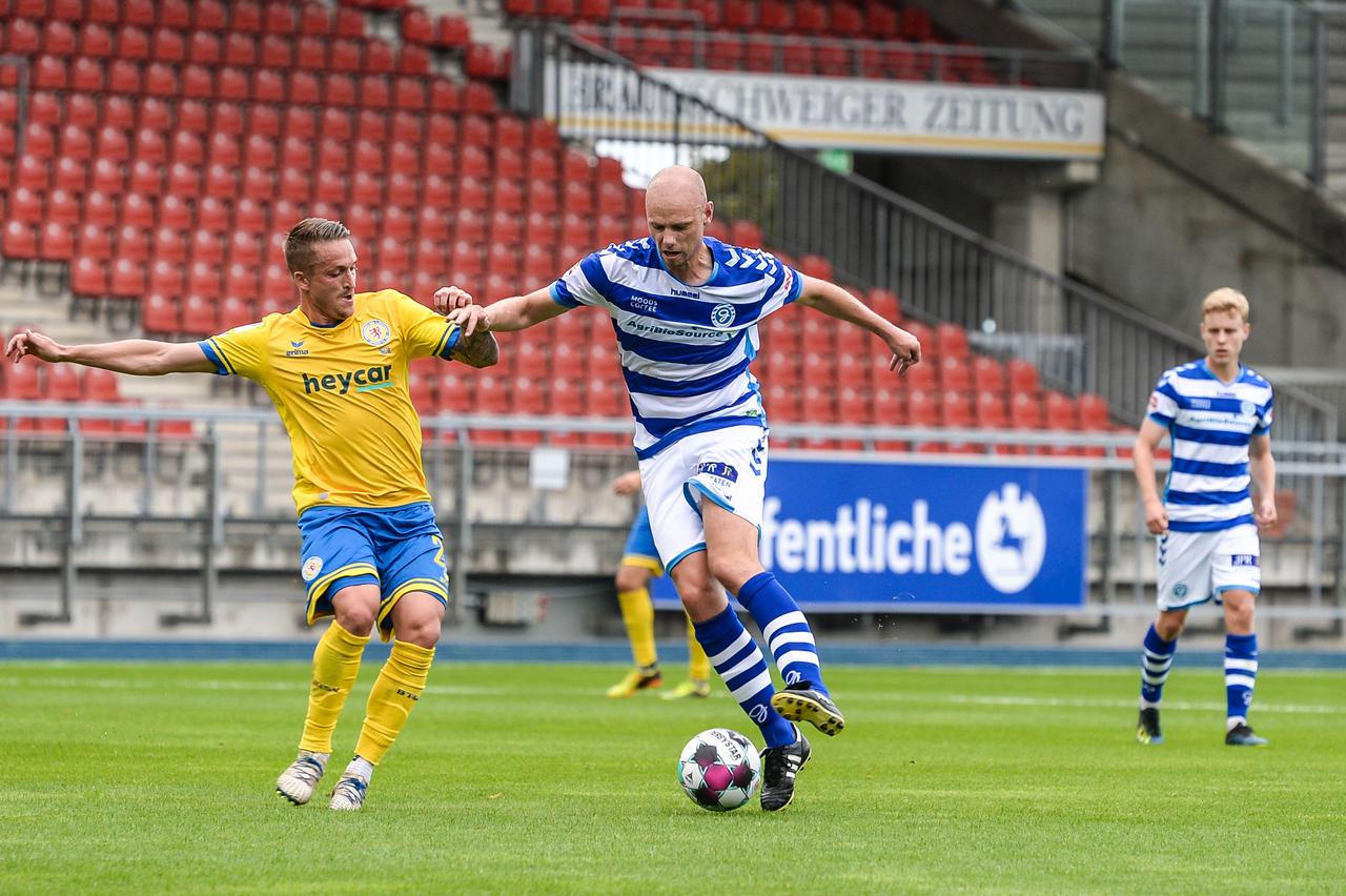 Eintracht-Braunschweig-vs-De-Graafschap-12.jpg