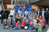 Spelers en staf bezoeken kinderen in Ziekenhuis Winterswijk