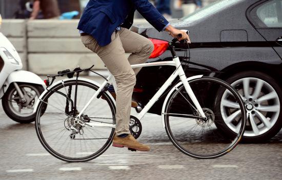 Sponsoren op de fiets: welkom via beide poorten
